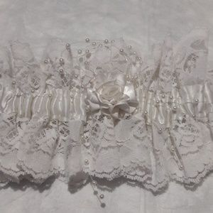 Accessories - White wedding garder belt
